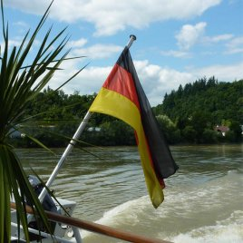 Bootsfahne Deutschland an stabiler Halterung