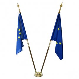 roomstand with two European flags