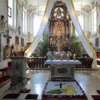 Kirchendekoration zu Fronleichnahm
