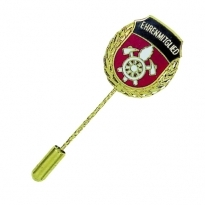 honorary pin with text EHRENMITGLIED and firebrigade motive