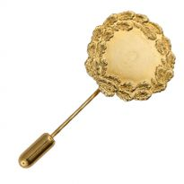 251600 in gold with stick pin, 23 mm diameter
