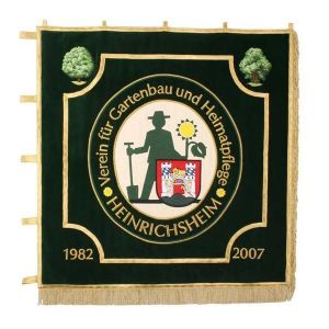Standard of the fruit and gardening club with logo and municipality crest