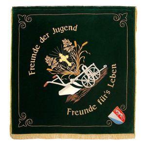 KLJB Vereinsfahne mit ruralen Motiven und Strahlenkreuz